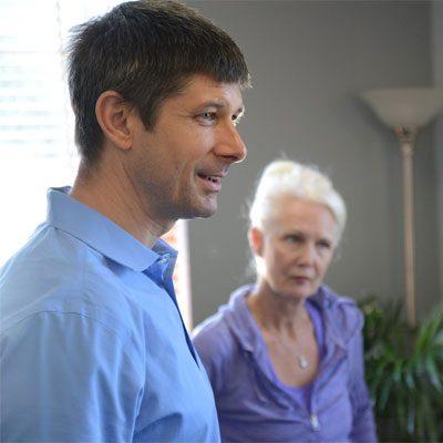 Chiropractor Bingen WA Ian Chambers with Patient